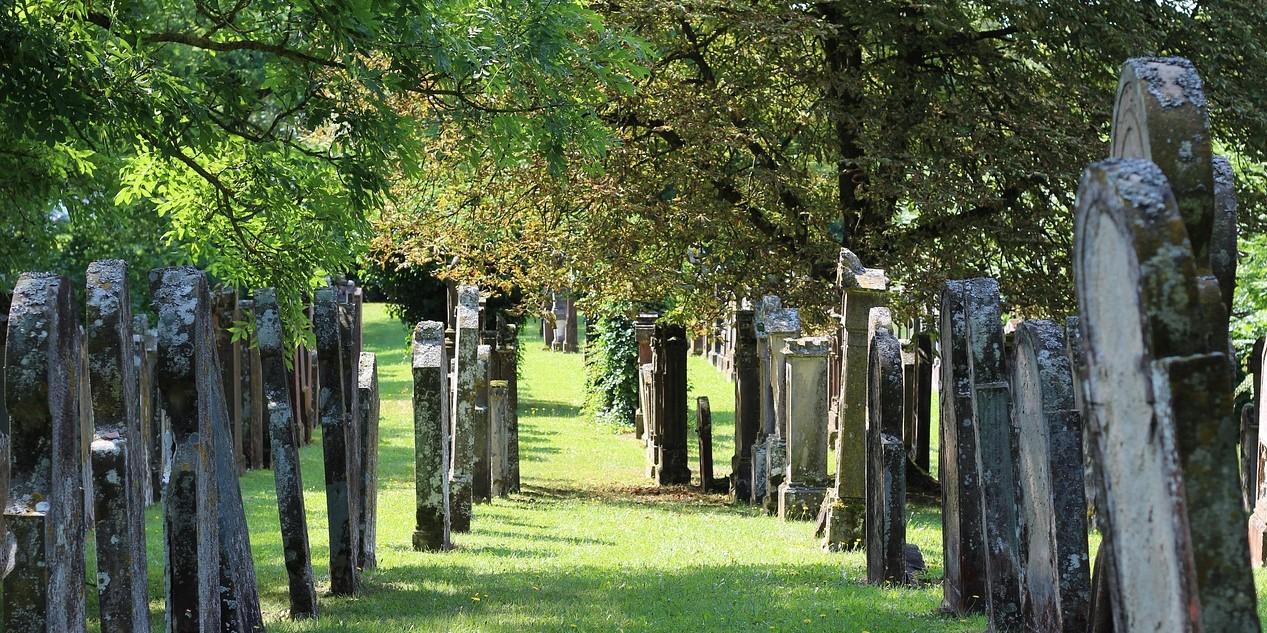 jewish-cemetery-2525846_1280 (2)
